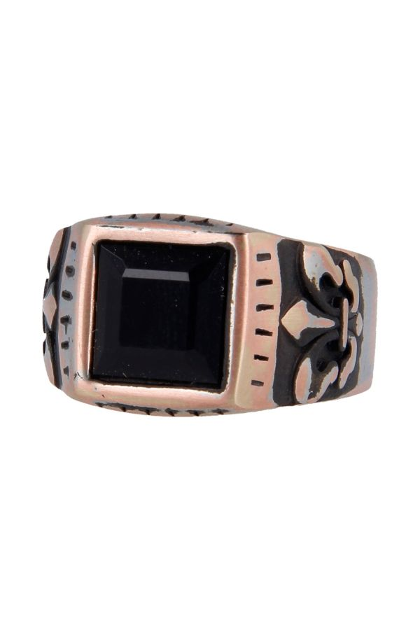 Bronze ring with lilly motif, embellished with a black rectangular stone