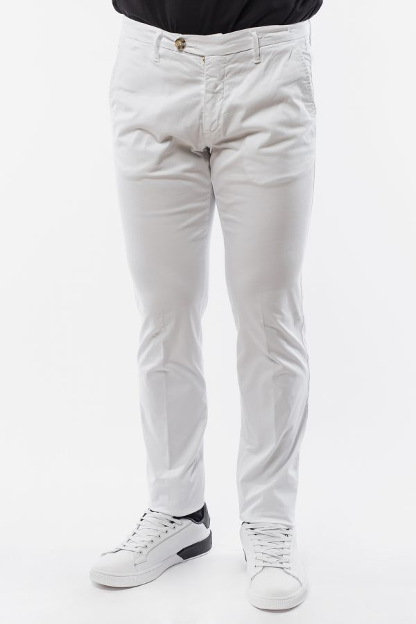 Pantaloni chinos slim-fit classici